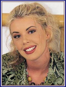 Deborah Ann Woll Hot